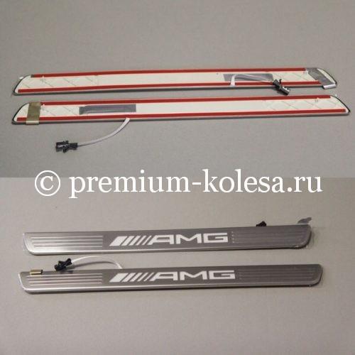 Оригинальные накладки на пороги с подсветкой AMG на Mercedes-Benz